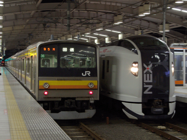 2013.11.16 / 中野電車区でナハ3...